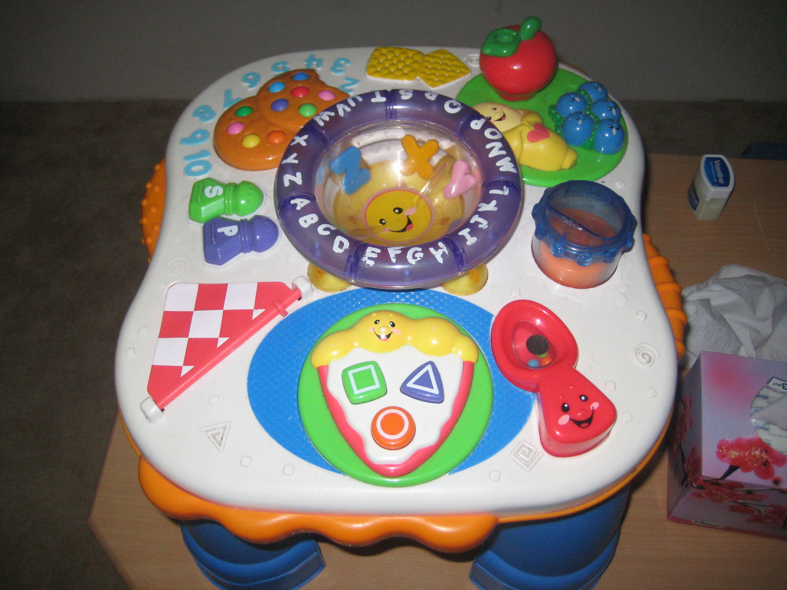FOR SALE: FISHER PRICE LAUGH AND LEARN TABLE
