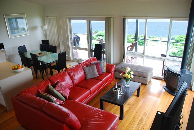 FOR RENT / LEASE: Whitecrest Resort: Luxury Apollo Bay Accommodations ~p~ Ocean View Resort