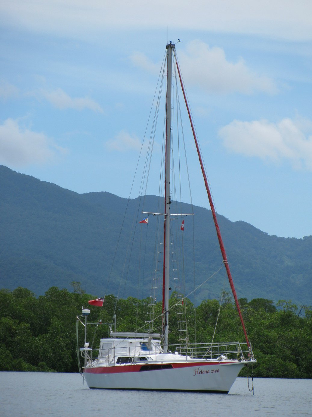 FOR SALE: Cruising yacht to sell  (Price reduced)