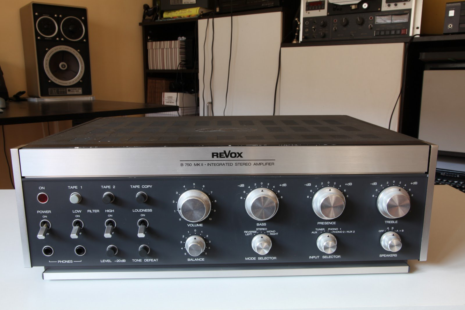 FOR SALE: FOR SALE: Vintage Revox B750 MK2 integrated Stereo Amp Collector's item