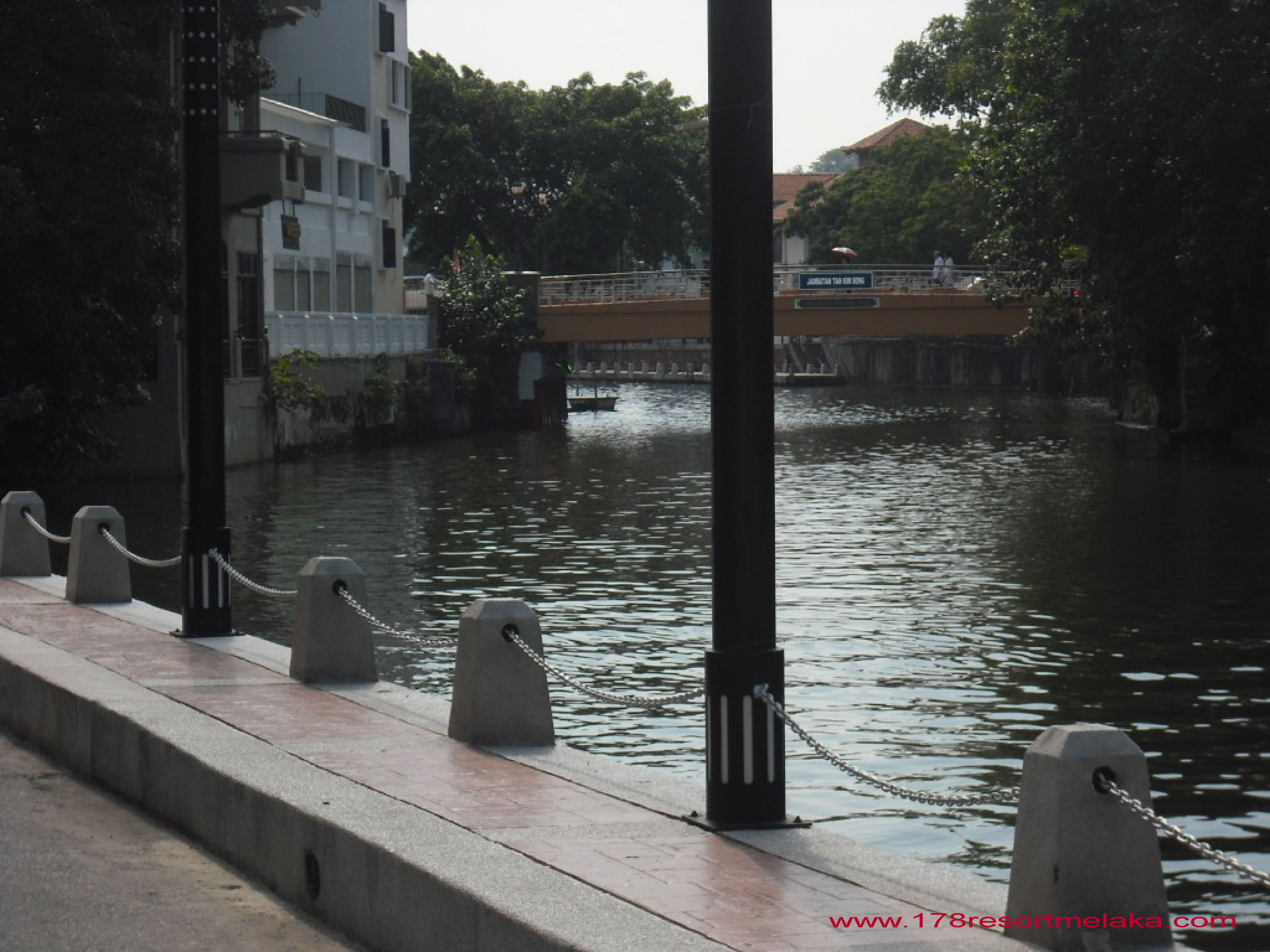 VACATION RENTAL: Luxury City Apartment At Melaka Town