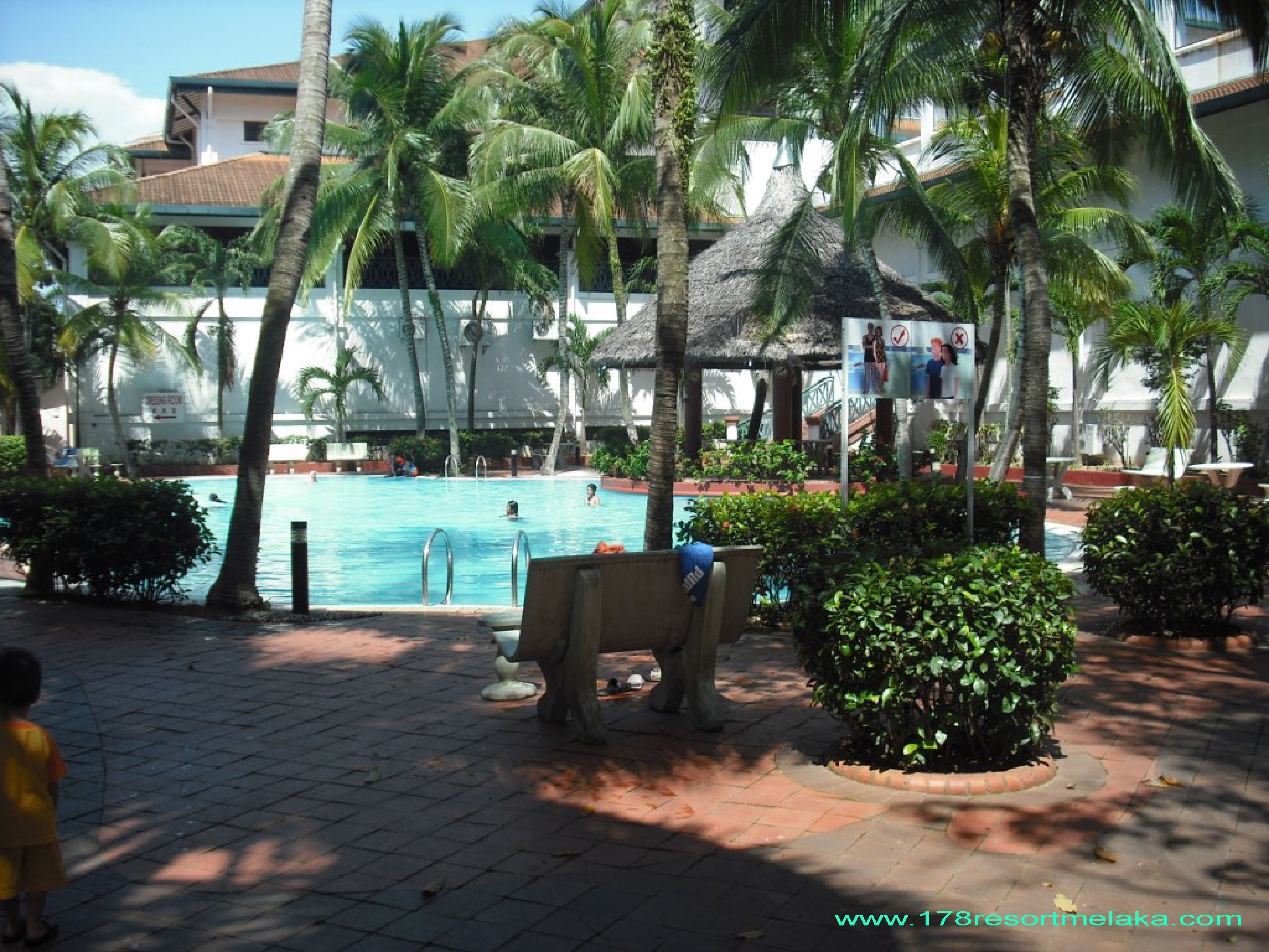 VACATION RENTAL: 16th Storey Pool View Service Apartment MLK Town