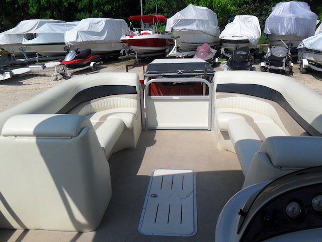 FOR SALE: Speed Boat: Pontoon Boat- 2008 Bennington 2575 GSi