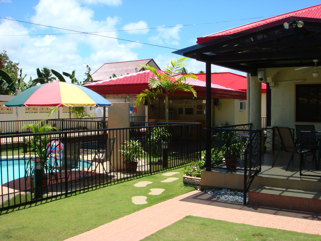 FOR SALE: Best house / mini resort in Butuan w/ pool for sale !