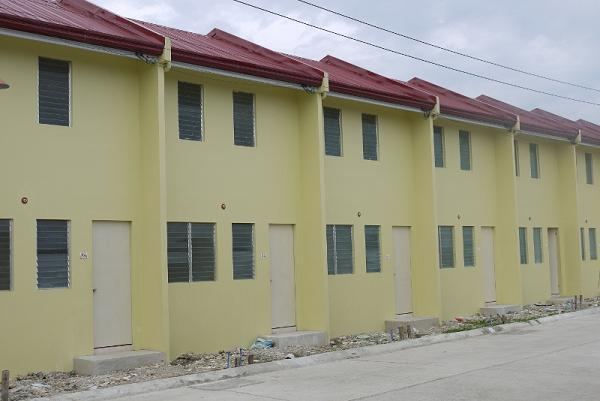 FOR SALE: 2bedrooms, Houses 42sqm.LOW MONTHLY Php4,191