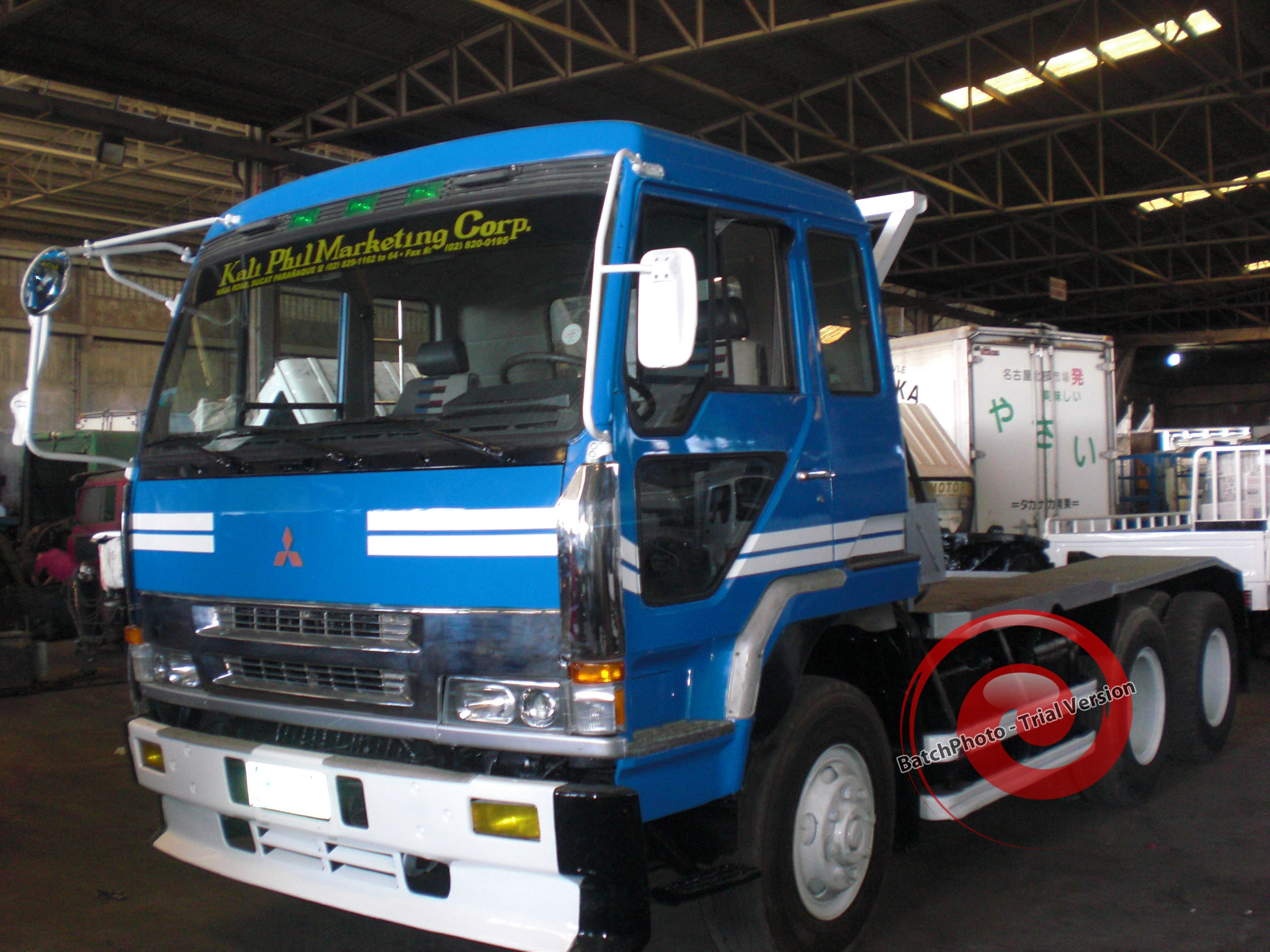 FOR SALE: TRACTOR HEAD FUSO 6-10 WHEELER