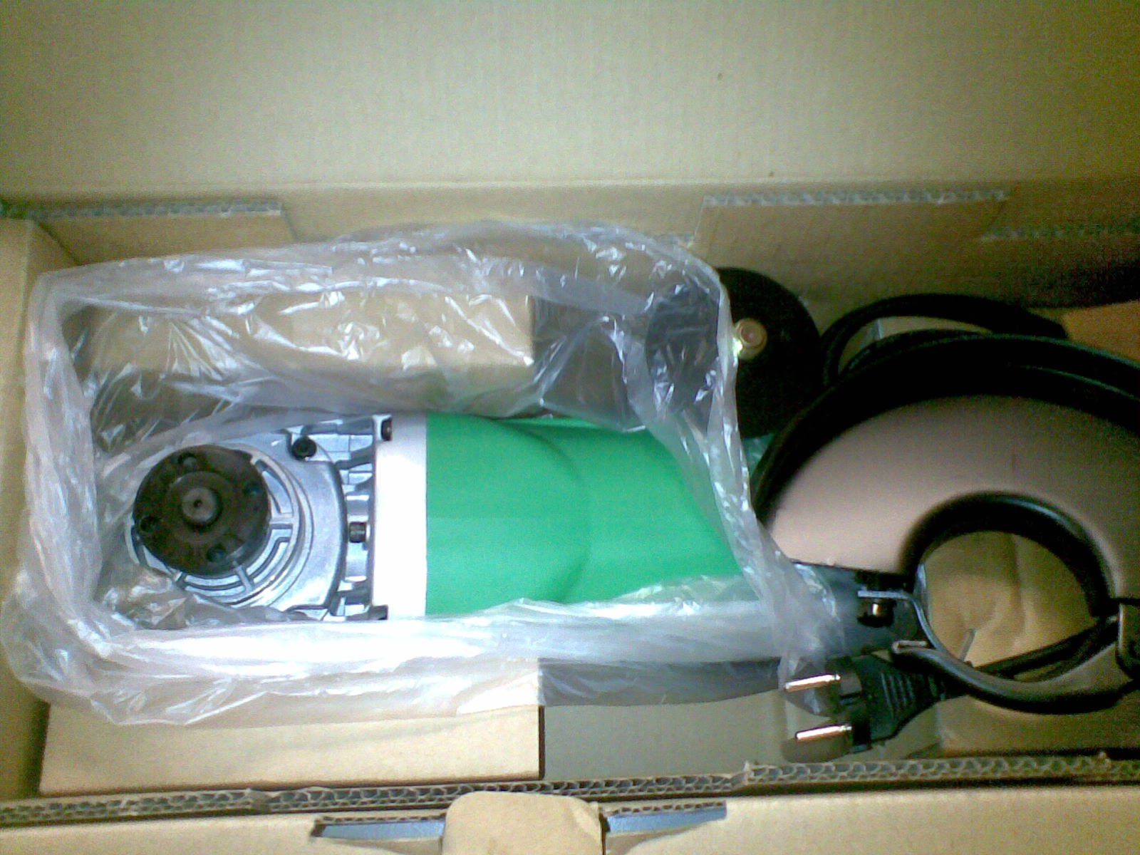 FOR SALE: Selling brand new Bosch 7