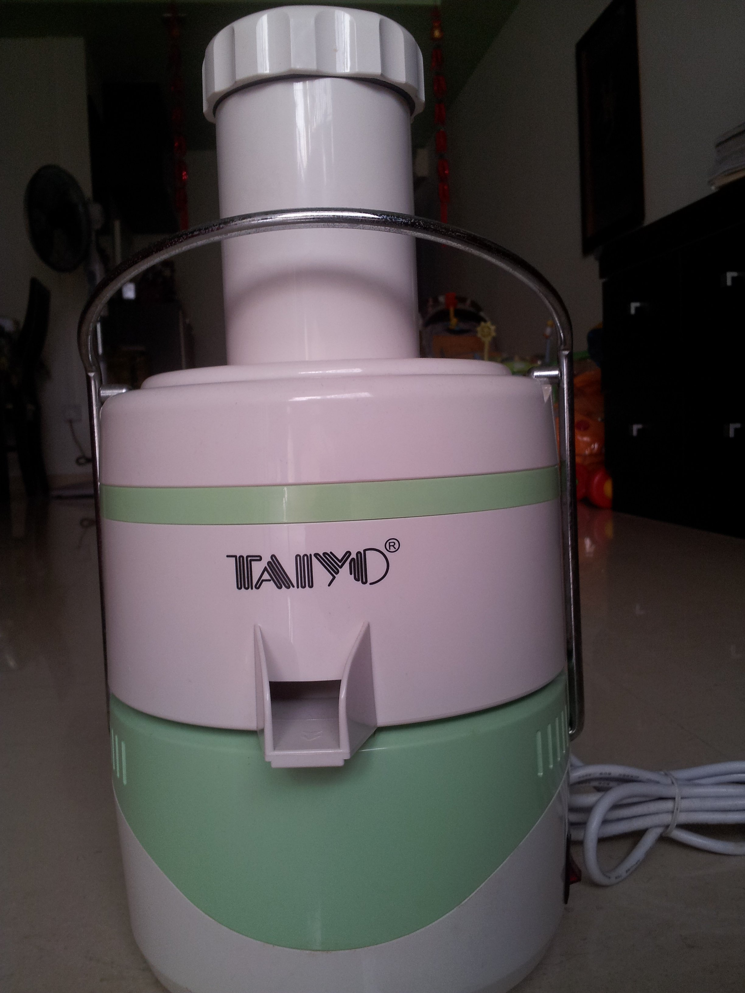 FOR SALE: Taiyo Juice Extractor cheap sale.