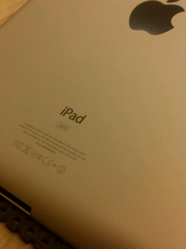 FOR SALE: 32G IPAD2 Selling Cheap