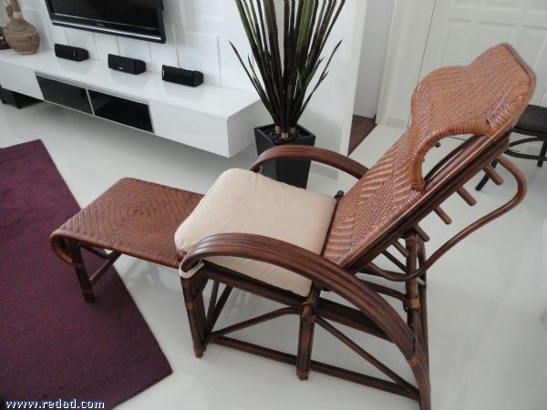 FOR SALE: Designer Wicker Sofa Set For Sale