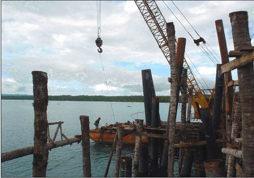 FOR SALE: Cranebarge(40'x110') with 75 ton Crane
