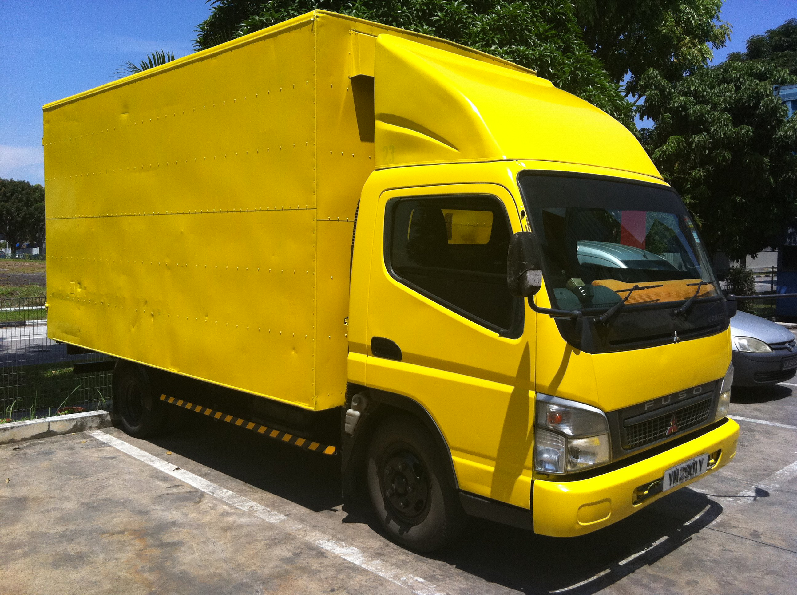 FOR SALE: 14' ft Box Truck with Manpower