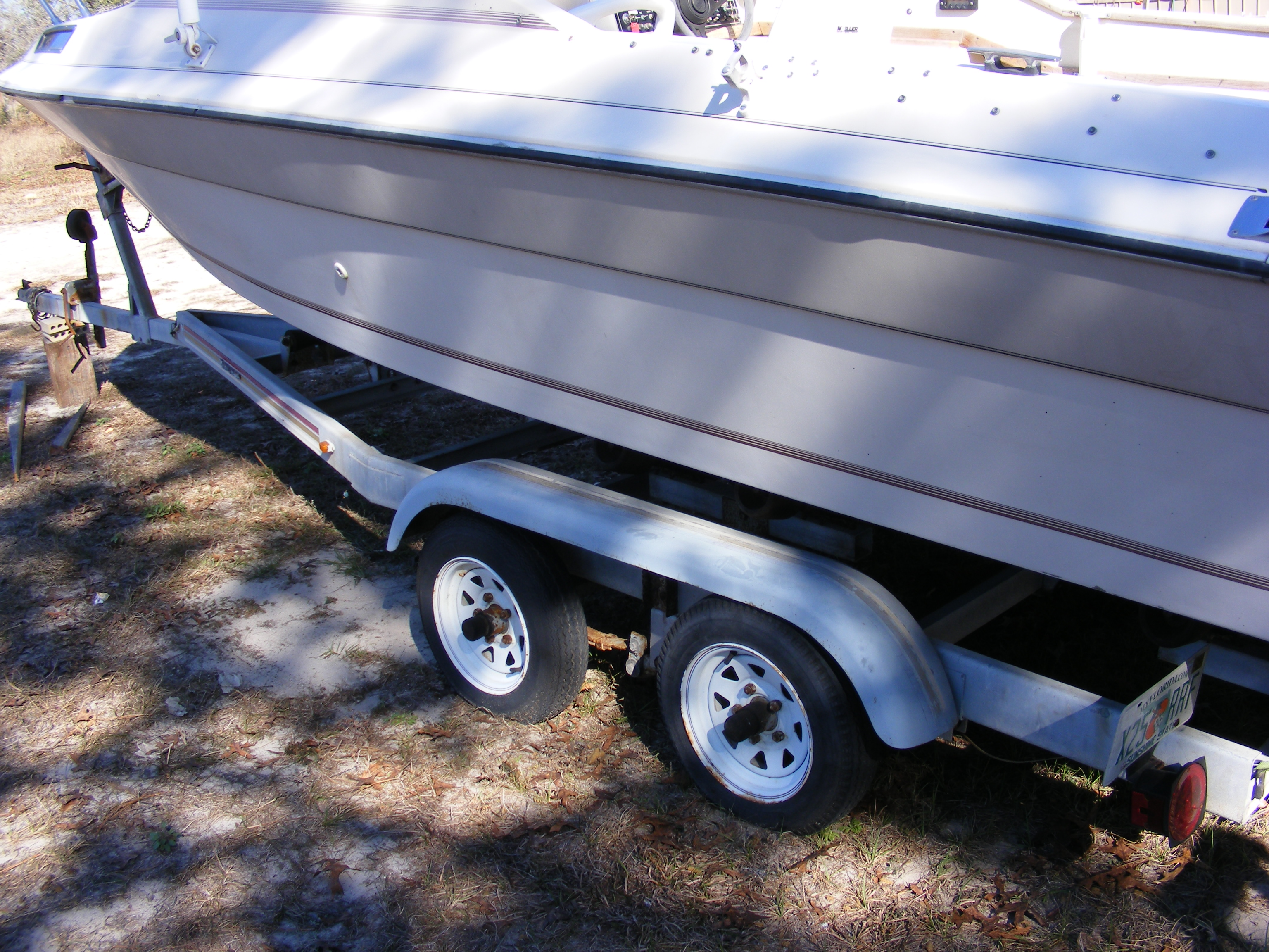 FOR SALE: 19' cuddy 1985